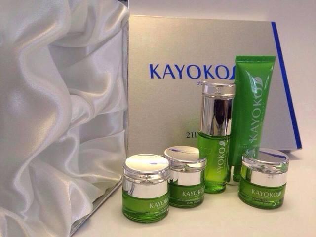Bộ mỹ phẩm Kayoko Nhật Bản